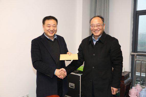 安庆市副市长郑家齐来康明纳调研慰问